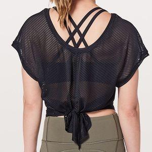 Size 6 Lululemon Ahead by Miles short sleeve top